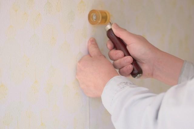 2.壁の穴の補修材料をそろえる⑥