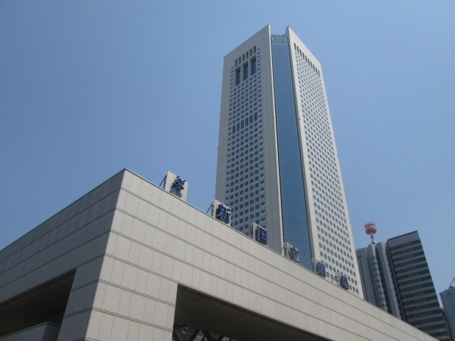 東京オペラシティビル|新宿は住みやすいですか?特徴・治安・家賃相場・評判などを教えて!