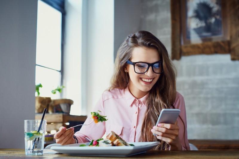 一人暮らしの食費はどのくらいかかりますか?平均や節約術を教えて!