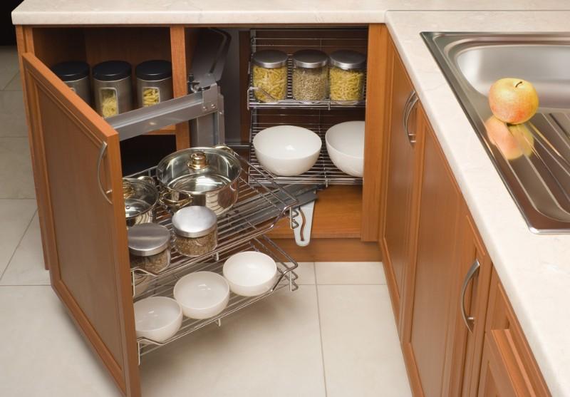 キッチン収納にしまわれた道具