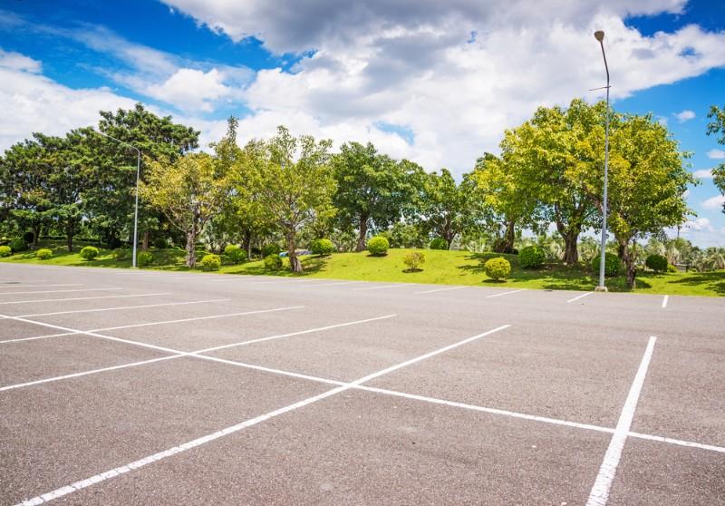 屋外の駐車場
