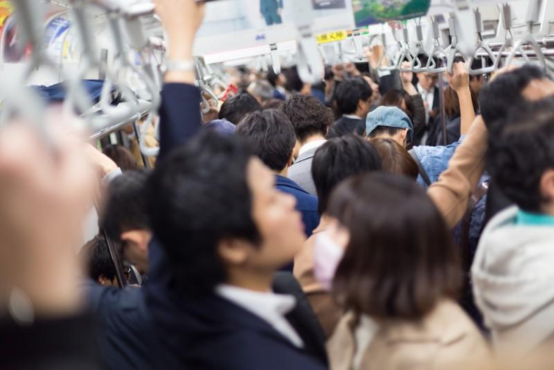 通勤ラッシュのイメージ