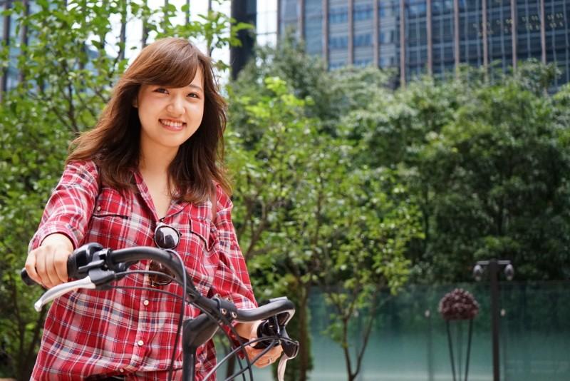 自転車通学をするイメージ
